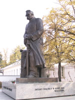 Monument of Józef Piłsudski outside Belveder